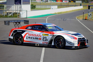 nismos-60-hours-of-endurance-continues-at-bathurst-12-hour