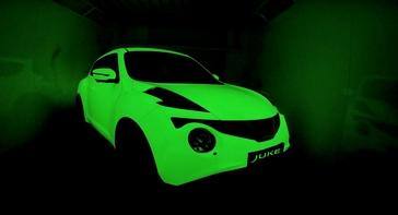 Glow-in-the-dark Nissan JUKE, the ultimate street art canvas